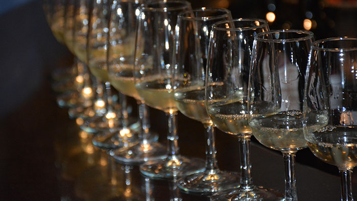 Wine tasting to benefit student scholarships